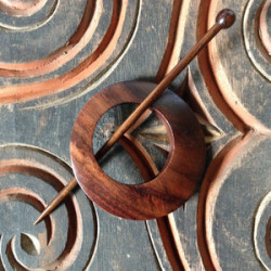 Classic Rosewood Waves Shawl Pin